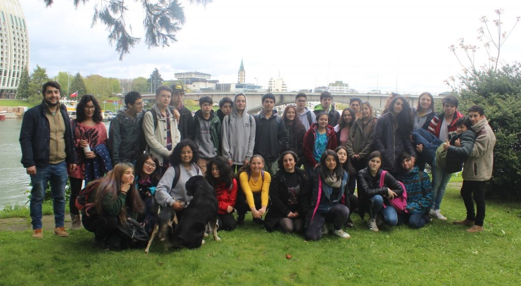 Young college students visit RLC Valdivia Campus